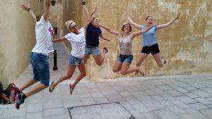 jumping_ladys